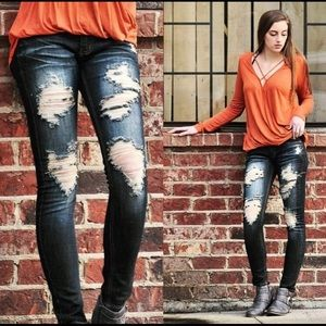 Denim - ✨Distressed Jeans